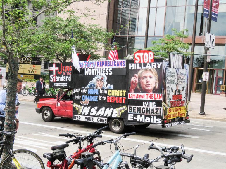 Kampanj mot Hillary Clinton. Foto: Erik Bergin